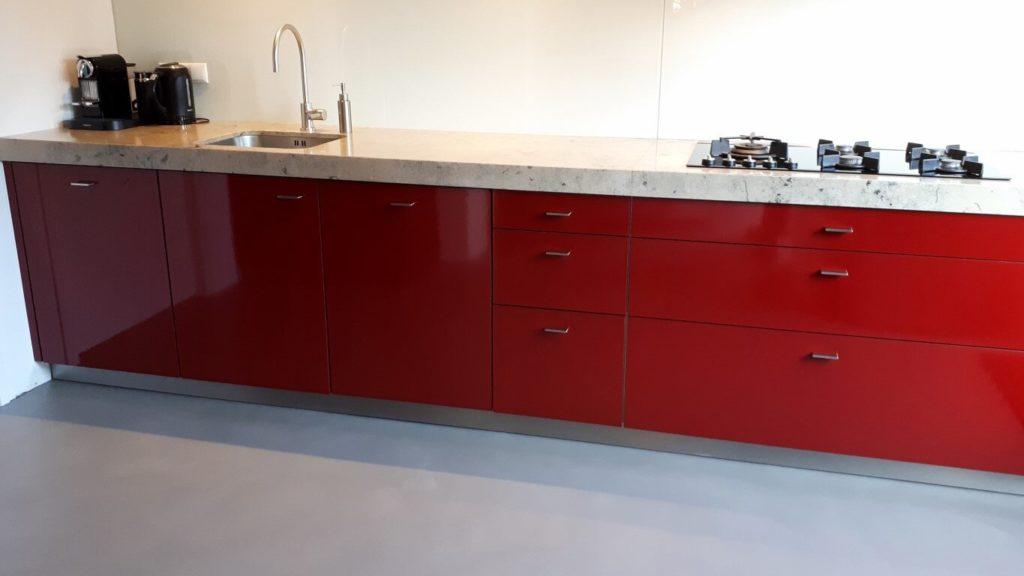 Keuken hoogglans rood
