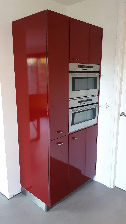 7 keuken wrapped rood - zwart dmv interieurfolie we repair (Medium)