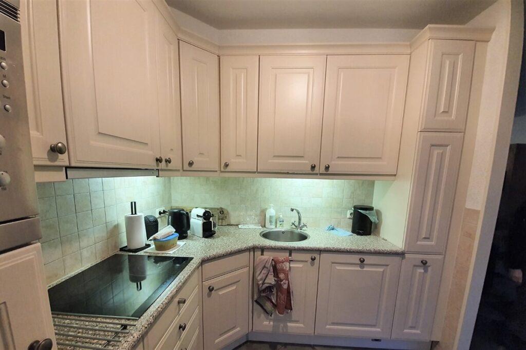 Keuken renovatie spuiten - wrappen zwart - betonlook 3
