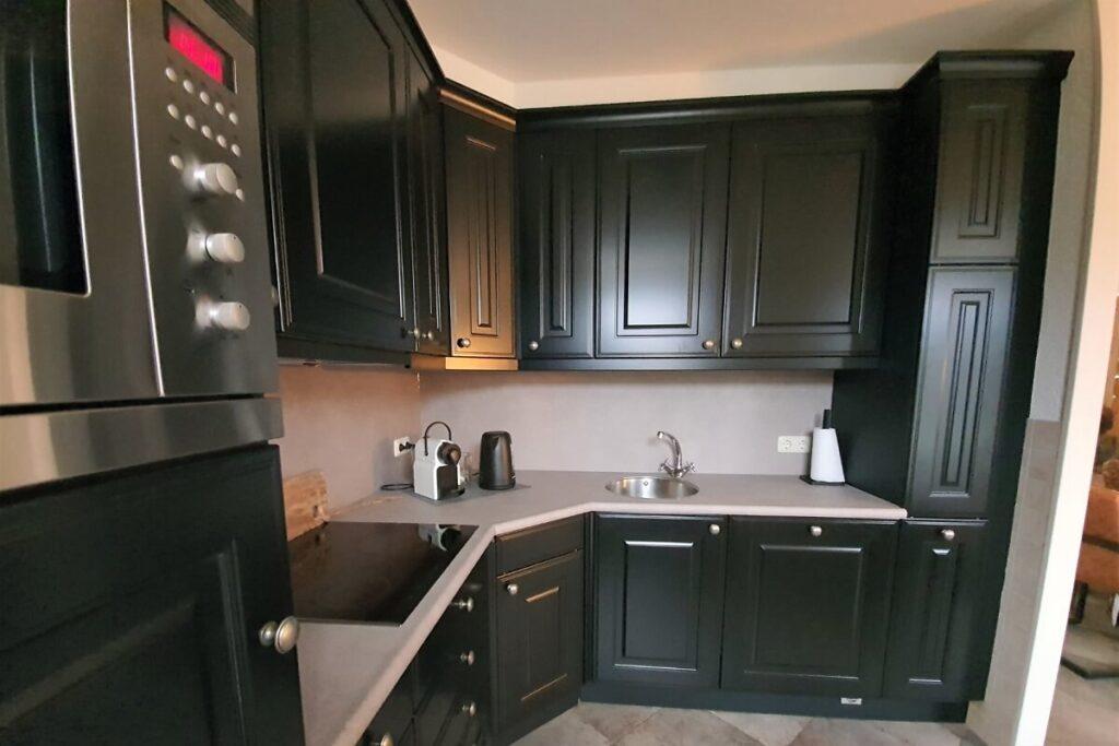 Keuken renovatie spuiten - wrappen zwart - betonlook 4