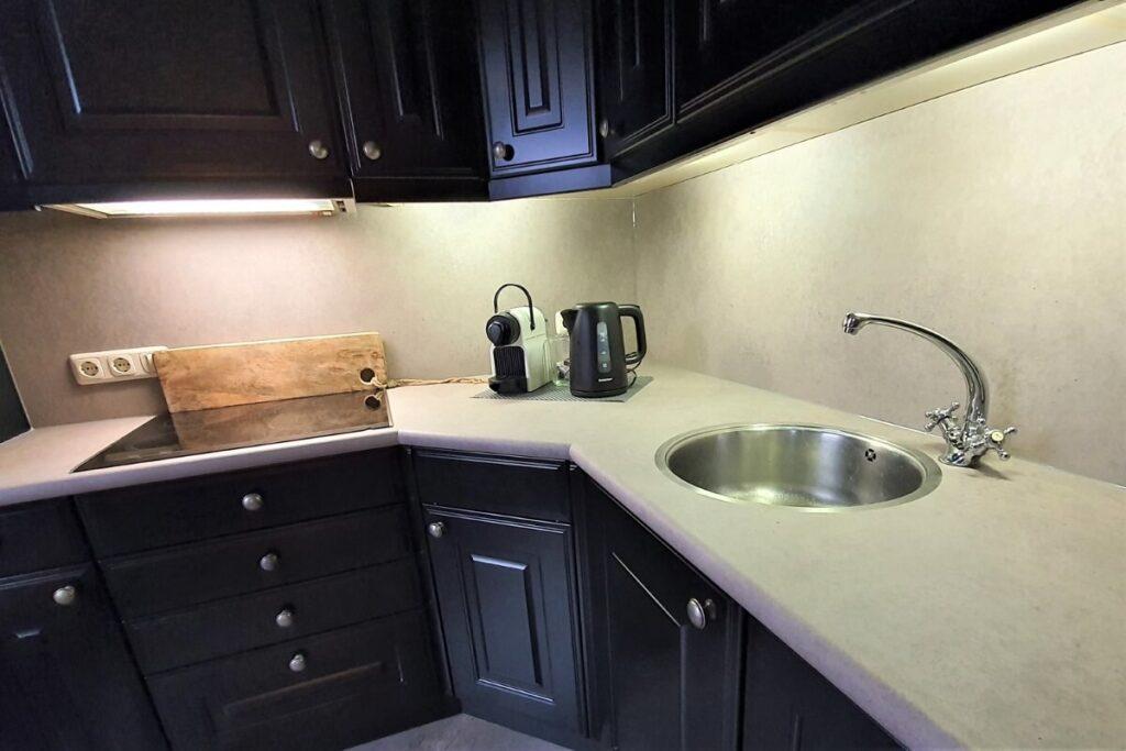 Keuken renovatie spuiten - wrappen zwart - betonlook 7