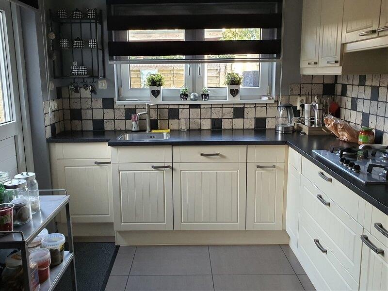 Keuken spuiten & folie, grijs-betonlook 1