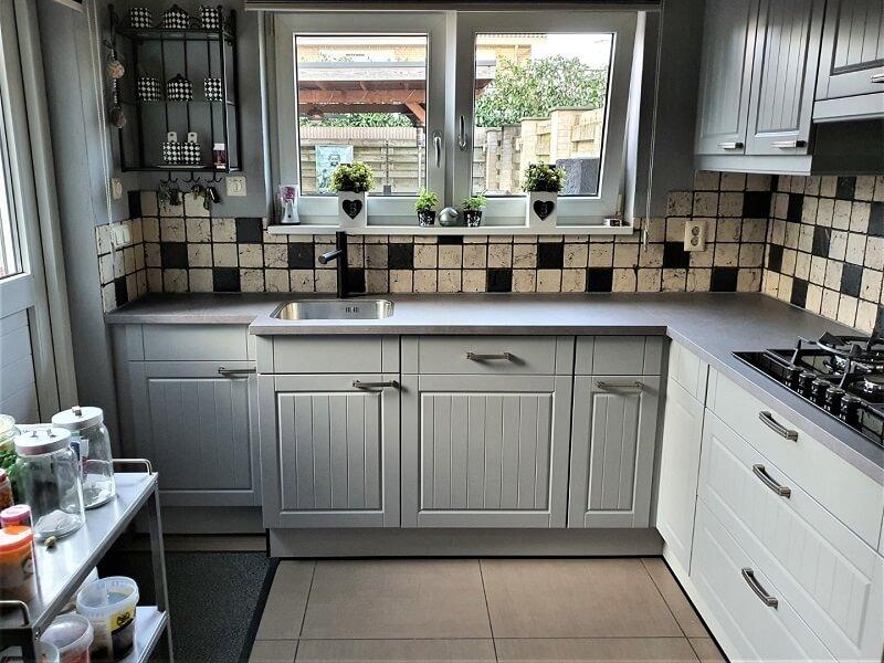 Keuken spuiten & folie, grijs-betonlook 2