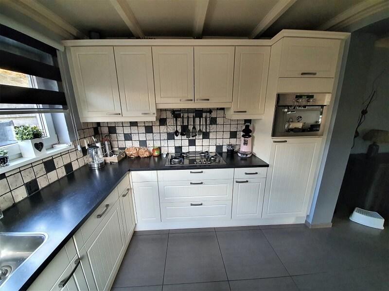 Keuken spuiten & folie, grijs-betonlook 3