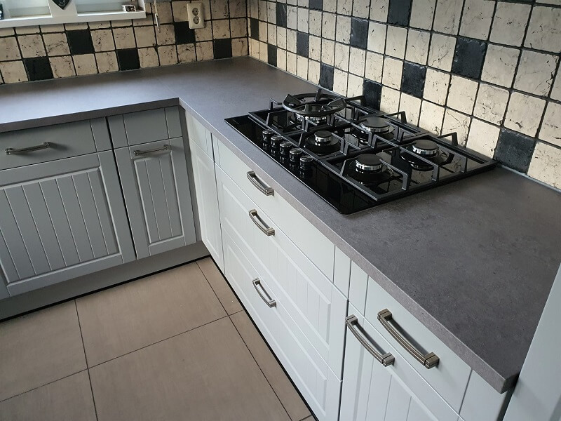 Keuken spuiten & folie, grijs-betonlook 6