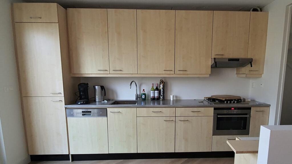 Keukenwrap hoogglans wit - beton 1