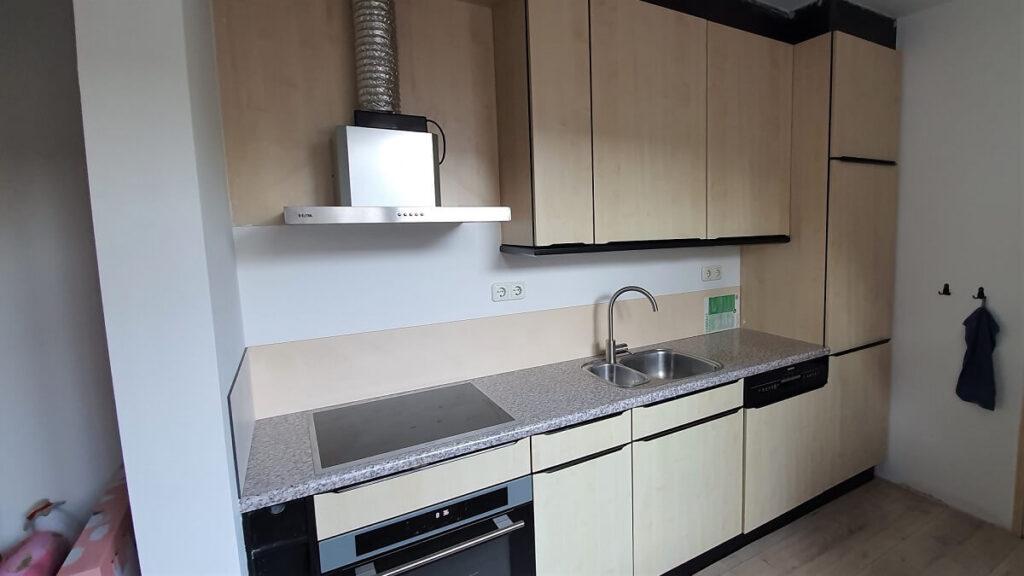 keukenwrap zwart - betonlook licht 3