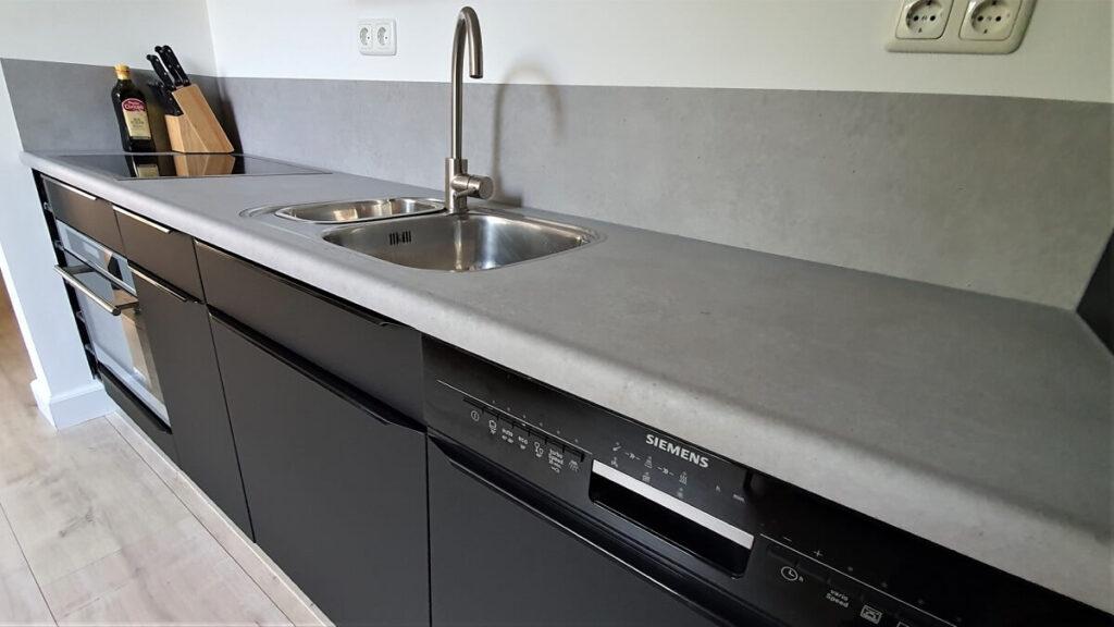 keukenwrap zwart - betonlook licht 7